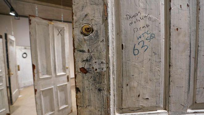 Subastan las puertas del hotel Chelsea donde se hospedaron Bob Dylan, Leonard Cohen, Janis Joplin y Jimi Hendrix