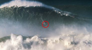 Abran paso para el nuevo rey: Rodrigo Koxa montó la ola más grande que se haya surfeado