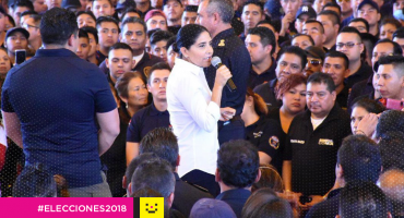 Y sigue la pelea: acusan a Barrales de usar a bomberos para proselitismo