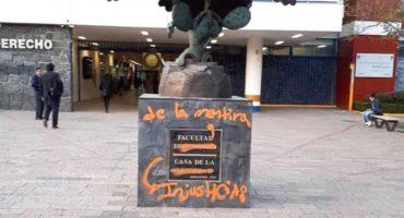 La Facultad de Derecho de la UNAM fue vandalizada la madrugada de este viernes