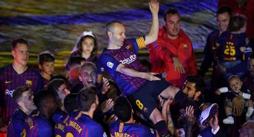 ¡Adiós, Iniesta! Así homenajeó Barcelona por última vez a su jugador más querido