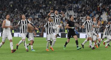 Juventus remonta con partidazo de Douglas Costa y puede coronarse mañana