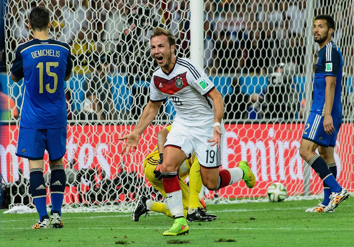 Mario Gotze anota el gol del Mundial para Alemania