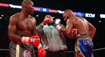 ¡Ouch! Boxeador noquea sin querer al referee