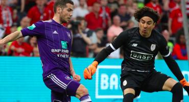 Standard y Ochoa sueñan con Champions tras vencer al Anderlecht