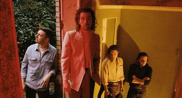 ¿Y nosotros pa' cuándo? Así se escucha 'Batphone' de Arctic Monkeys en vivo