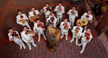Chewbacca estuvo en la CDMX y hasta cantó con mariachi