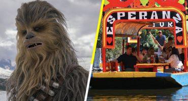 Chewbacca está en México y aprovechó pa' darse una vuelta en trajinera