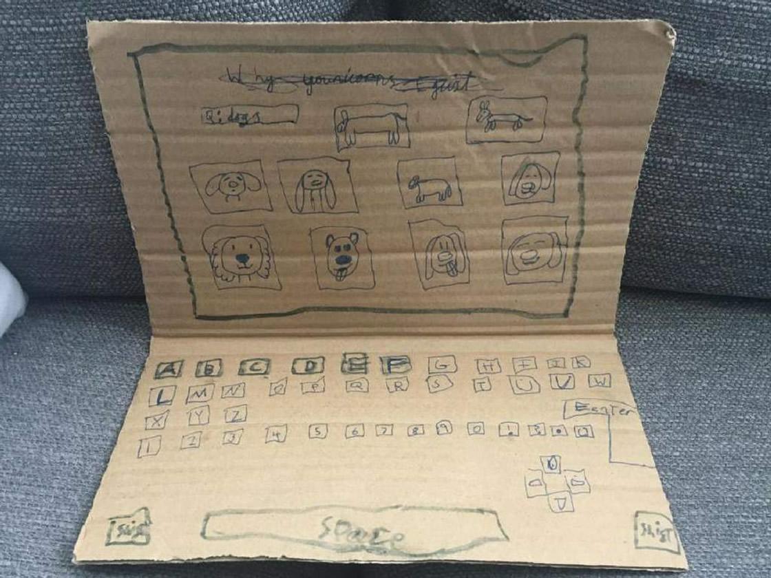 Ternuringa: La historia detrás de la computadora de cartón