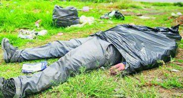 Típico: te echas una siesta con una bolsa de basura en la cabeza y movilizas a la policía