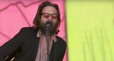 Father John Misty estrenó en vivo 'Please Don't Lie' del disco 'God's Favourite Customer'