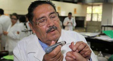 Él es el investigador mexicano que inventó la tinta indeleble que se usa en las elecciones