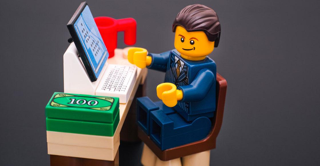 Cosas que jamás te imaginaste: Una mujer usó los LEGO como sujetadores de cargador