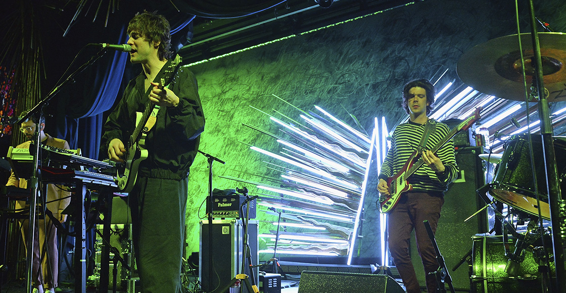 "Ve a MGMT tocar ""Little Dark Age"" en el show de Jimmy Kimmel"