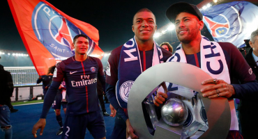 Con Neymar y Dani Alves, el PSG festeja el título de liga