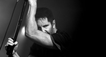 "¡Feliz cumpleaños, Reznor! Nine Inch Nails estrena ""God Break Down The Door"""
