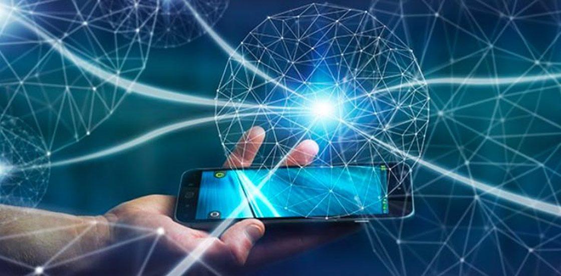 Celular con Internet expandiéndose