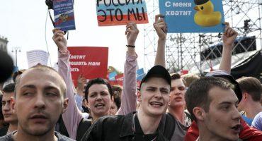Cerca de 1,600 personas fueron arrestadas al protestar contra Vladimir Putin en Rusia