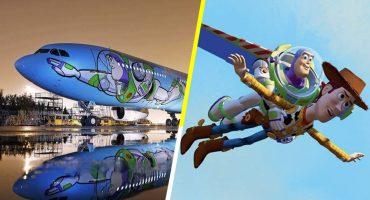 ¡Al infinito y más allá... en este avión de Toy Story! 😱😍