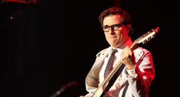 ¿Qué pasó ahí? Weezer olvida el #WeezerAfrica y coverea 'Rosanna' de Toto