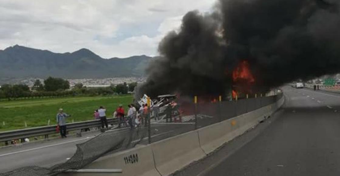 Accidente en Circuito Exterior Mexiquense deja 4 muertos y un herido
