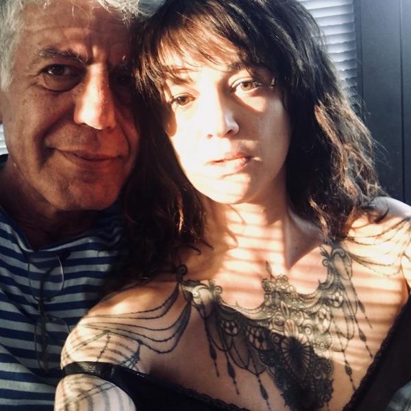 Asia Argento y Anthony Bourdain eran pareja cuando al momento de la muerte del chef en junio de 2018.
