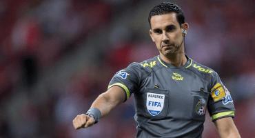 El mexicano César Ramos le pitará a Cristiano y Uruguay