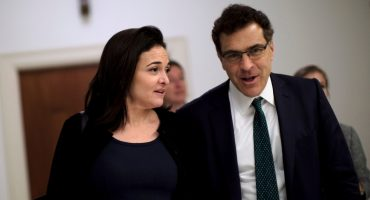 ¡Tsssss! Renuncia ejecutivo de Facebook tras los escándalos de Cambridge Analytica