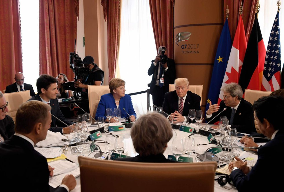 Actualidad: Trump abandonó la cumbre con una amenaza velada
