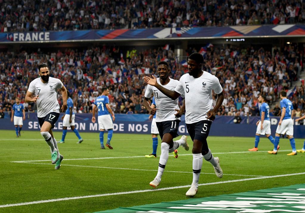Samuel Umtiti defiende a Messi