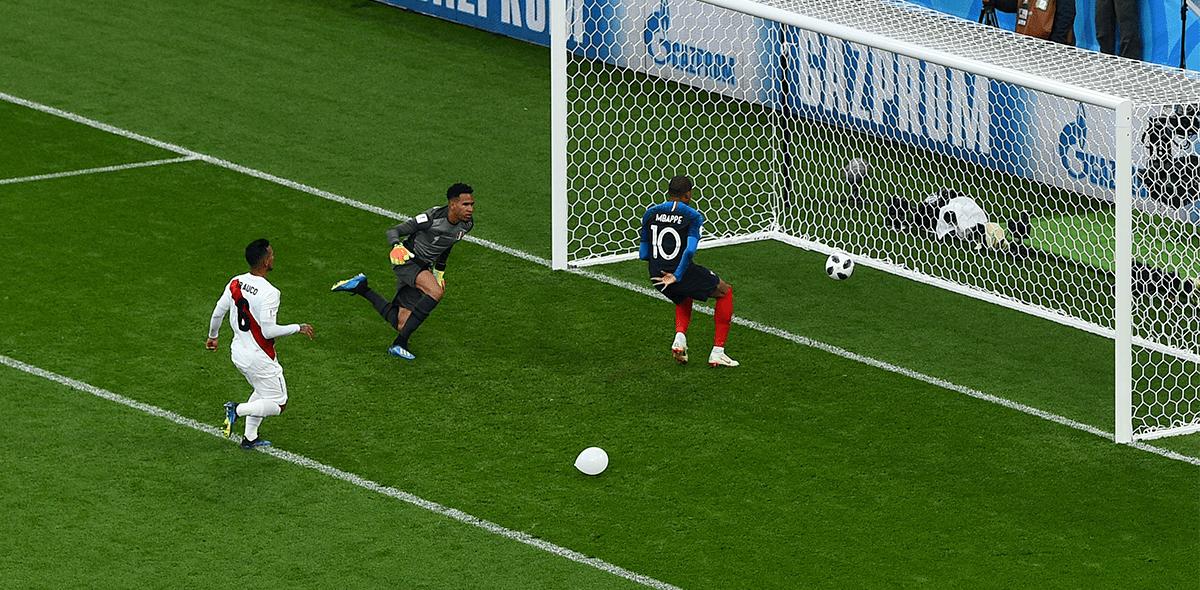 El gol de Mbappé contra Perú