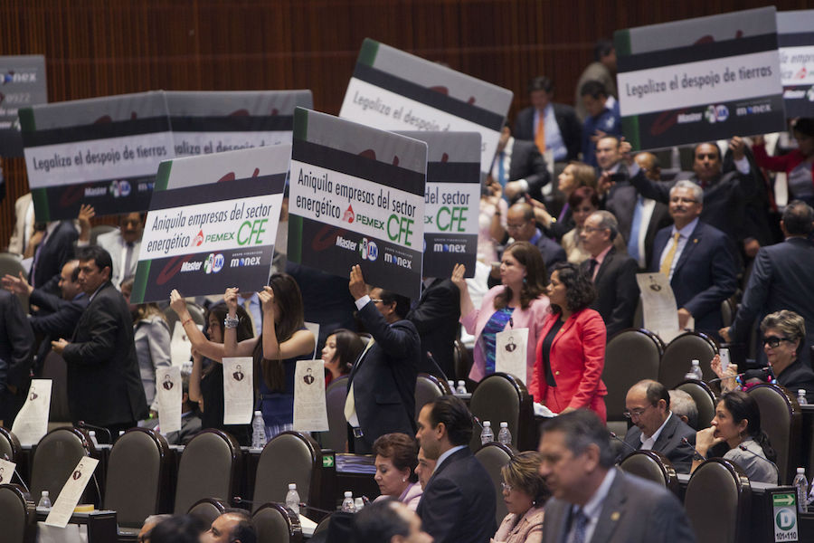 Protestas en Cámara de Diputados por Ley de Hidrocarburos