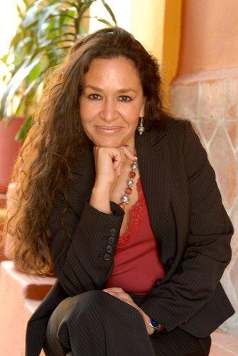 Lidia Camacho, directora del INBA, renuncia a candidatura al Senado por el PRI