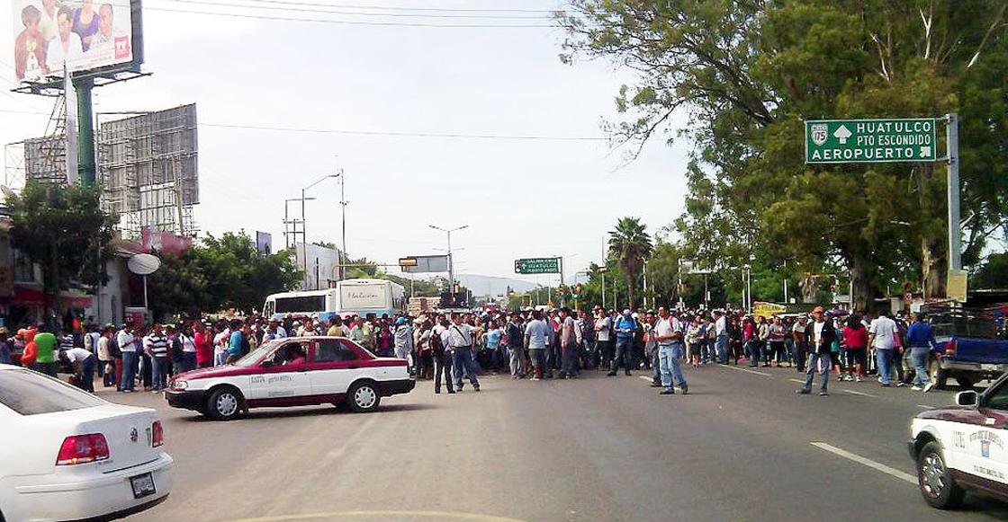 El aeropuerto y la terminal de autobuses están bloqueados por la CNTE en Oaxaca