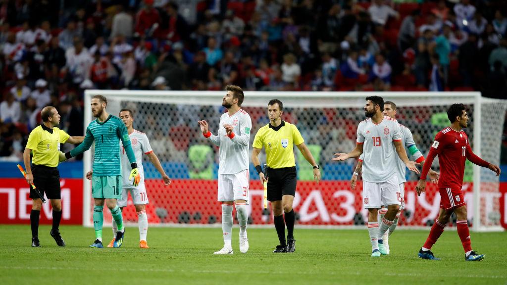 Gerard Pique jugó su partido 100 con España