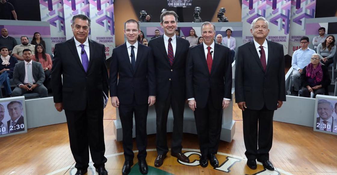 Para el tercer debate presidencial, los candidatos sentaditos y sin guayaberas