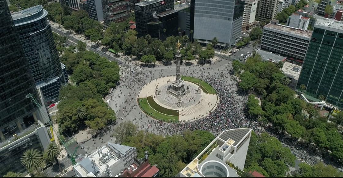 376930cb03b9 El triunfo de México vs Alemania visto desde las alturas de la Ciudad de  México
