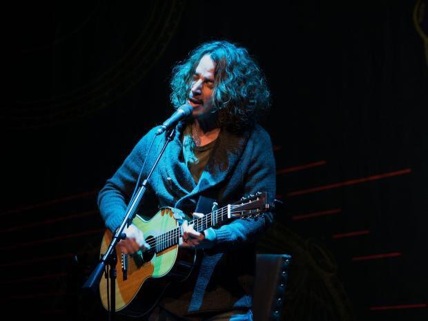 """Escucha el cover que Chris Cornell y su hija le hicieron a """"Nothing Compares 2 U"""" de Prince"""