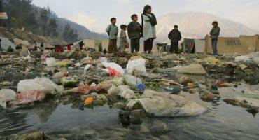 ¡Ya no más! Mumbai prohibe las bolsas y las botellas de plástico
