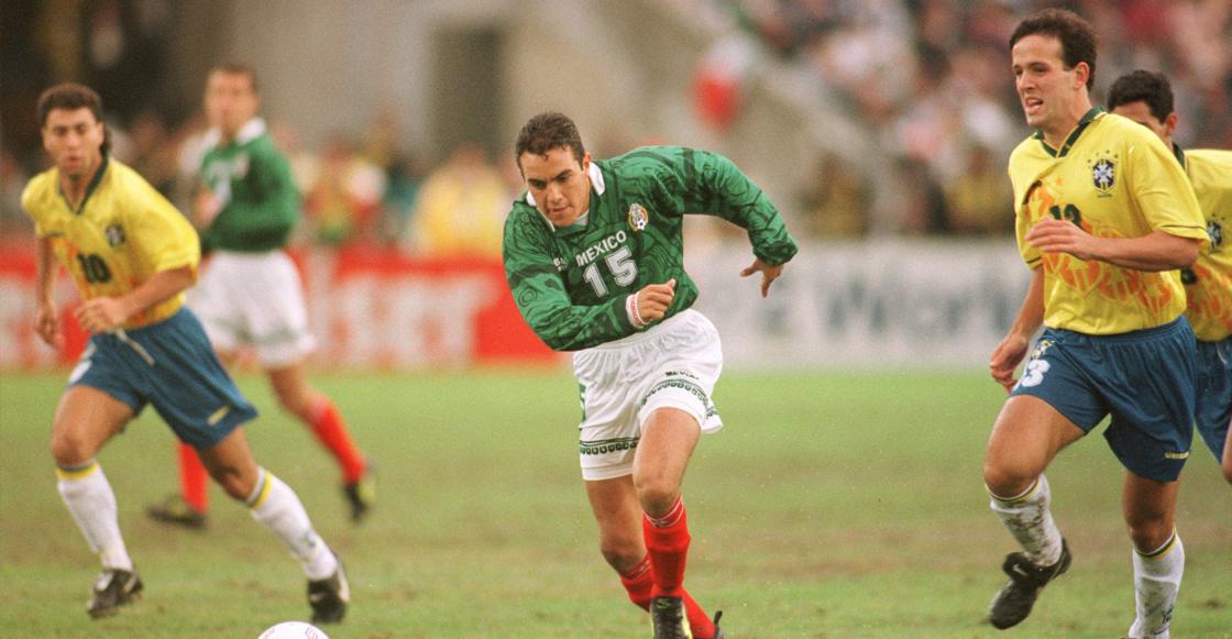 Cuauhtemoc Blanco enfrentando a los brasileños en 1996
