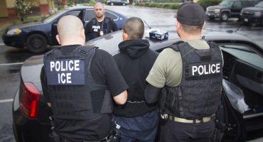 ¡Eso es trampa! Le llaman para entregar una pizza, termina arrestado y deportado