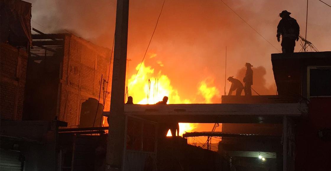 Santo Jesucristo redentor: Se incendió una maderería en Iztapalapa