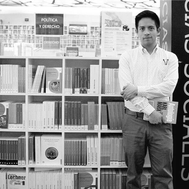 José Luis Gallegos, el estudiante que corrieron de la biblioteca del metro, estudiará en Harvard