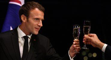 ¿No la tiene ni Obama? Le tiran a Macron por mandarse a hacer una alberca