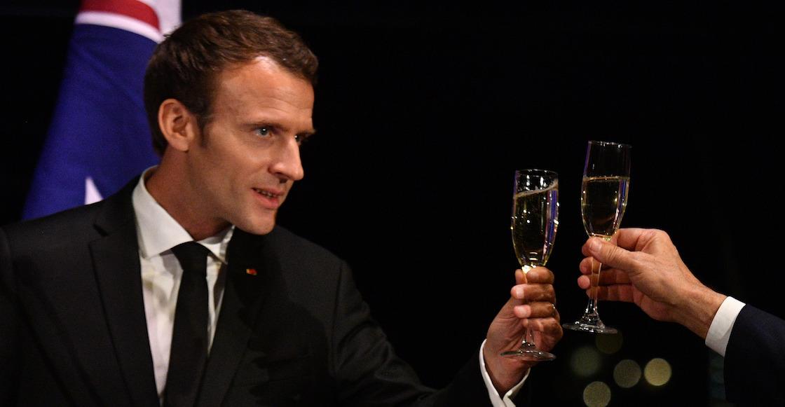 macron-salud-champagne-alberca