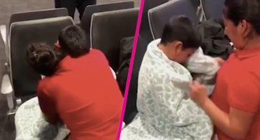 Madre e hijo se reúnen luego de ser separados en la frontera