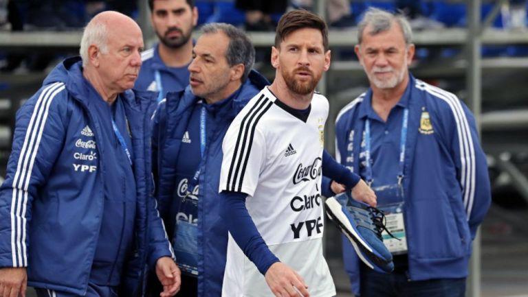 Cientos de aficionados se reunieron para ver a Messi