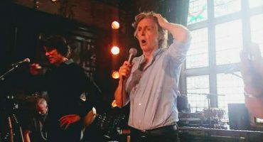 ¡Tipazo! Paul McCartney sorprende a fans con un concierto secreto en un pub de Liverpool