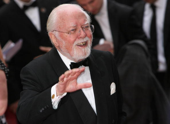 Richard Attenborough (John Hammond)