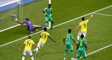 Tenemos que hablar sobre Idrissa Gueye, el jugador de Senegal recargado en el poste en el gol de Colombia